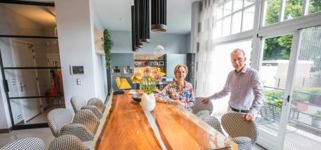 Jolande en Maurice zijn dol op luxe en willen niks standaards in hun huis