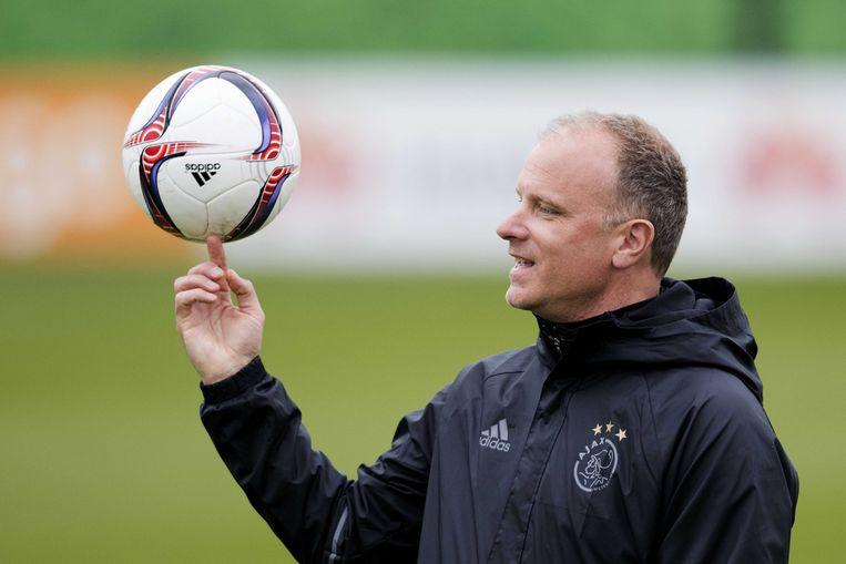 Dennis Bergkamp, hier actief als trainer van Ajax. Beeld ANP