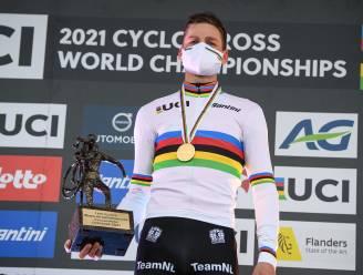 """Van der Poel na vierde wereldtitel: """"Ik heb ervoor moeten vechten, maar ik kwam elke ronde beter en beter in de wedstrijd"""""""