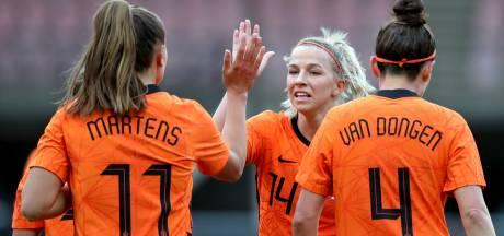 LIVE | Oranje op ruime voorsprong tegen Australië, aanvallende wissel bij start tweede helft