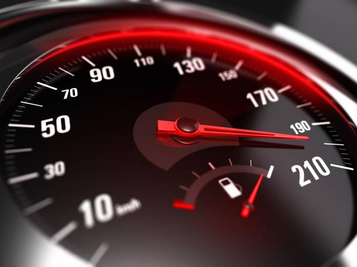 Politie houdt meerdere snelheidscontroles in de Kempen en deelt twintig boetes uit