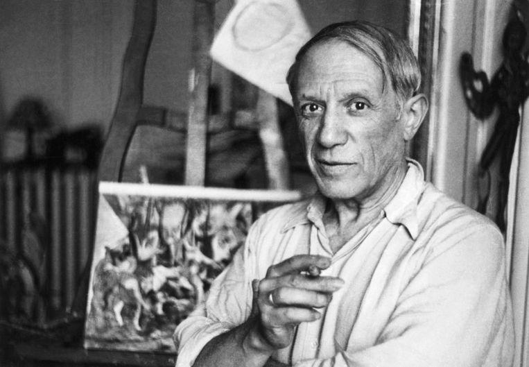 Pablo Picasso in zijn Parijse studio. Julia Blackburn schreef een boek over een van zijn voornaamste muzes, Marie-Thérèse Walter. Beeld Bettmann Archive