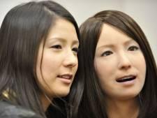 Laquelle de ces deux femmes est un robot androïde?