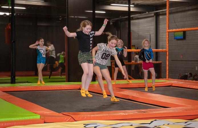 Extra drukte in het trampolinepark van The Maxx in Veenendaal wegens de onderwijsstaking.