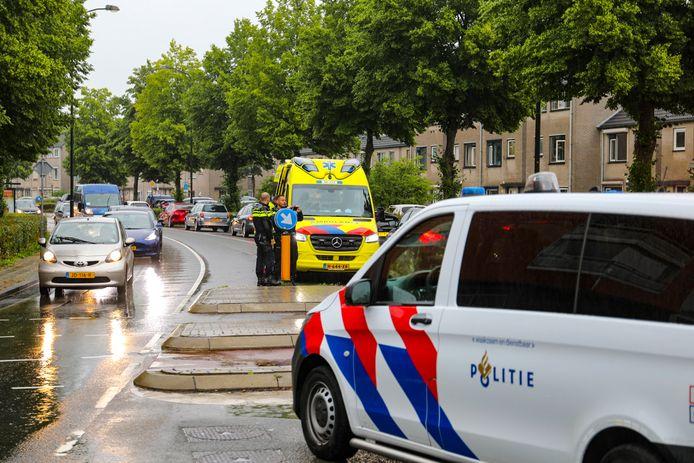 Fietser gewond bij een aanrijding op de Wapenrustlaan in Apeldoorn.