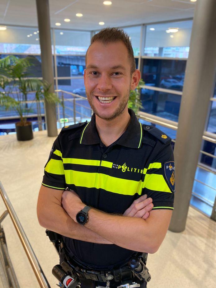 Politieagent Robbert Wijdenes maakte een wel heel bijzondere avondklokovertreding mee.
