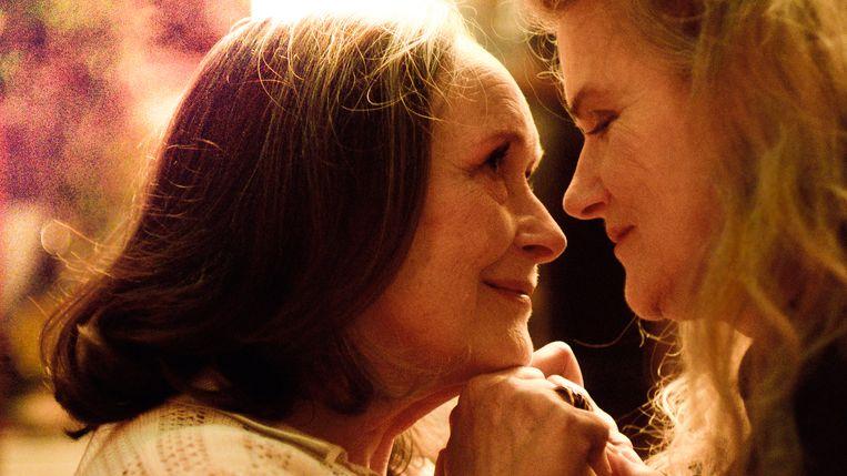 Madeleine (Martine Chevallier) en Nina (Barbara Sukowa) in Deux. Beeld