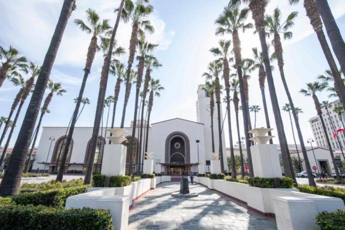 La cérémonie aura lieu en plein air, à l'Union Station de Los Angeles.