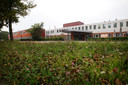 De Orangerie aan de Castiliëlaan in Eindhoven; werd ooit gebouwd als woongebouw voor ouderen en was later asielzoekerscentrum. Inmiddels is het gesloopt; hier is nu plaats voor tijdelijke woningen. Archieffoto Irene Wouters/DCI Media.