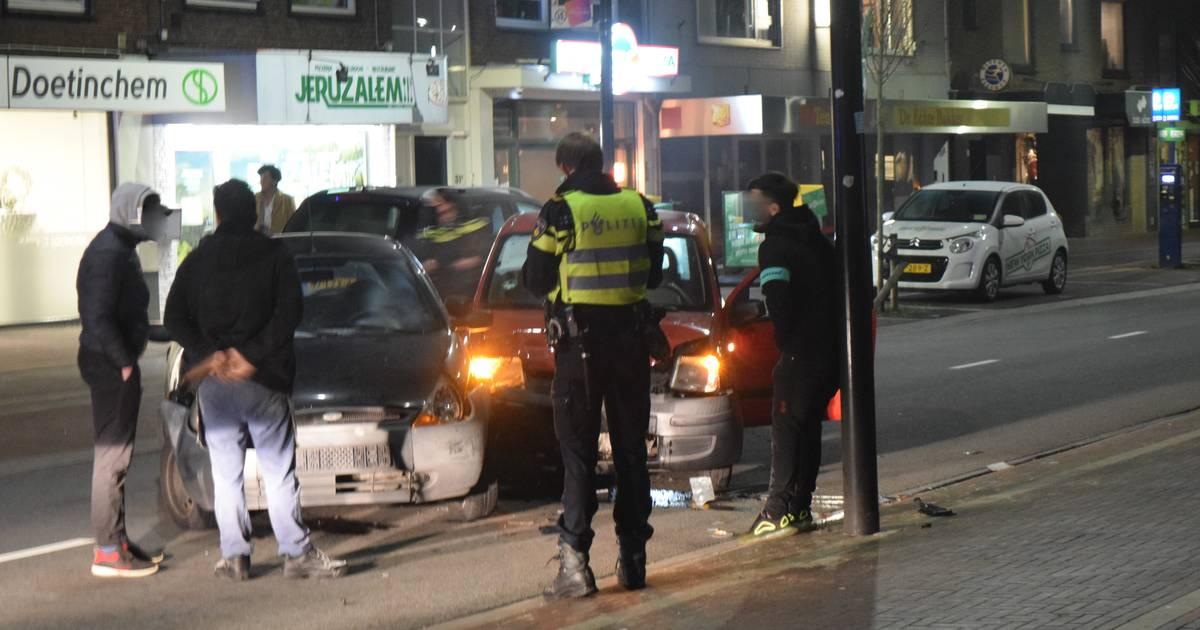 Gewonde bij botsing tussen twee autos in Doetinchem.