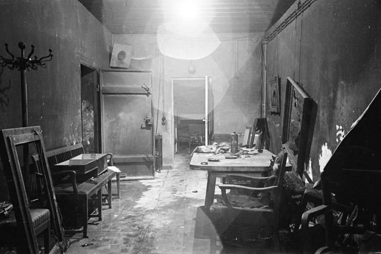 Hitlers bunker in Berlijn, waar hij volgens zowat alle historici, samen met Eva Braun en het gezin van Joseph Goebbels zelfmoord pleegde.
