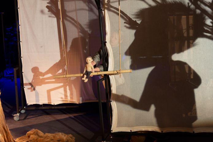 Impressie van de installatie Yuto & de boom van Cézanne Tegelberg & Company.