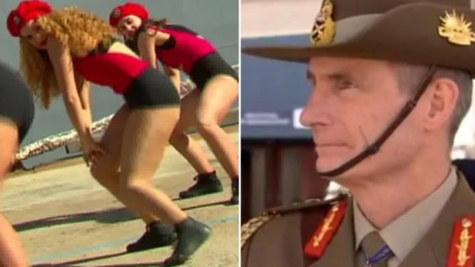 Ongemakkelijk momentje: danseressen huldigen schip in door te twerken voor ogen van Australische marinetop