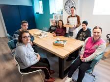 Koffie, koek en kadootjes bij werkplek 't Veenhoekje: 'we hebben de naam zelf bedacht'