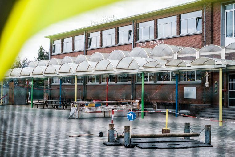De basisschool OLFA in Edegem moet een week dicht nadat personen er positief hebben getest op de Britse variant. Beeld Bob Van Mol