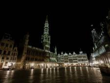 La Grand-Place de Bruxelles illuminée ce soir aux couleurs de l'arc-en-ciel