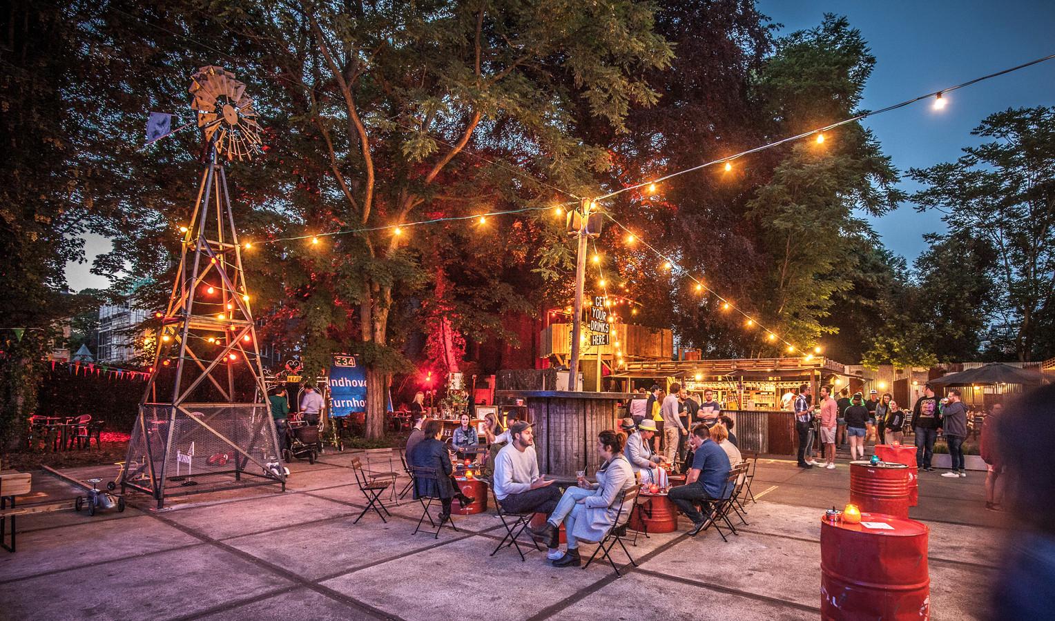 Smoket Jo's Garage 666: Black Smoke x Duvel komen met American-inspired pop-up restaurant op site Stadsbrouwerij De Koninck