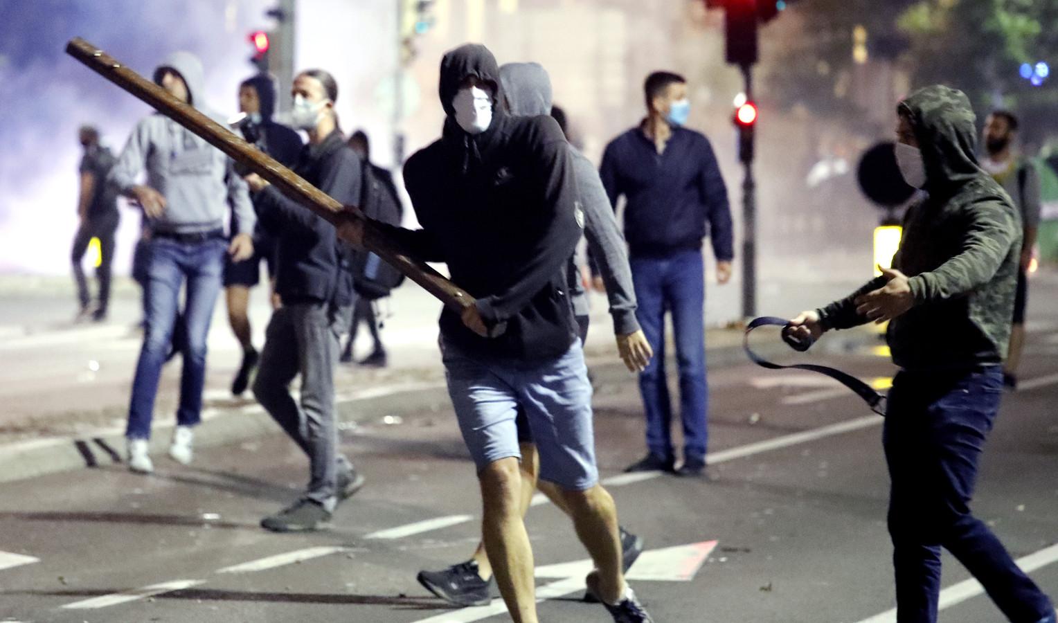 Demonstranten in Belgrado.