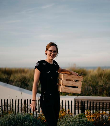Evy Maene werkt als herboriste bij Strandhotel Cadzand-Bad
