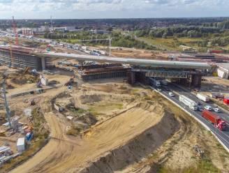 Oosterweelwerken half jaar vroeger klaar dan gepland, Scheldetunnel loopt vertraging op door PFOS
