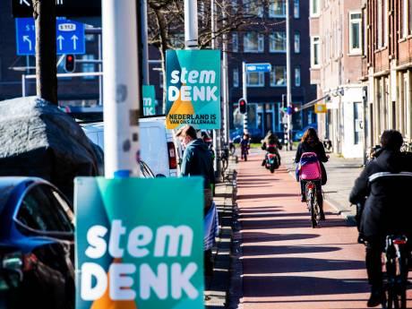 Denk als 'posterkoning' in Rotterdam en Schiedam: 'Te veel? We krijgen juist klachten als we ergens níet hangen'