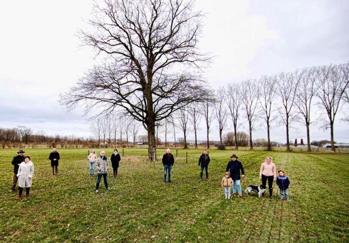 Omwonenden van Utrecht Science Park zijn tegen de bouw van het Ronald McDonald huis in dit weiland gelegen tussen Bunnik, Landgoed Oosterbroek en o.a het Prinses Maximacentrum. De centraal gelegen eik zou dan ook sneuvelen .