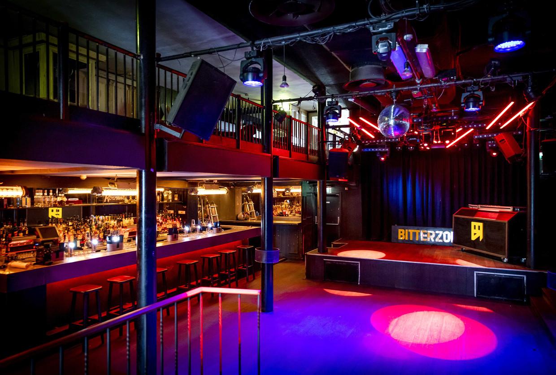 Bar en dansvloer van club Bitterzoet; als het hier niet kan, zoekt het publiek andere plekken om te feesten. Beeld ANP