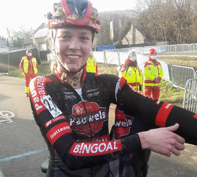 Fem van Empel (18) reed zich de afgelopen dusdanig in de kijker dat ze niet alleen bij Pauwels Sauzen Bingoal een profcontract kon tekenen.