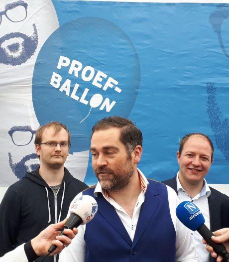Klaas Dijkhoff omarmt Klaasballon als geuzennaam