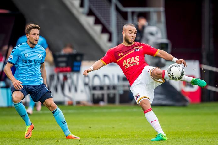 AZ-speler Iliass Bel Hassani, vorig seizoen regelmatig in actie voor de club, is na een schorsing terug bij de selectie