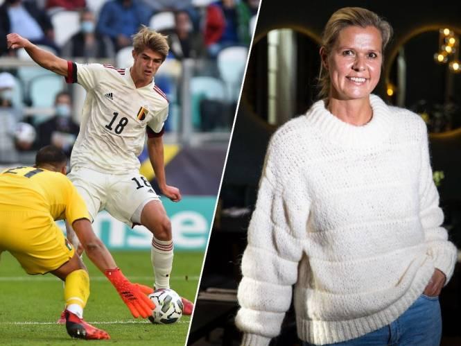 """Mama De Ketelaere zag eerste interlandgoal van zoon alleen in de zetel: """"Voor de match vroeg ik Charles of hij zenuwen had. Zijn antwoord: 'No stress'"""""""