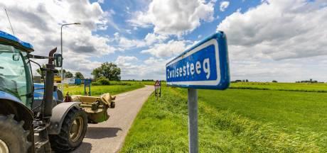 Zwolsesteeg bij Genemuiden moet veiliger, maar als fietsstraat of met een fietspad?