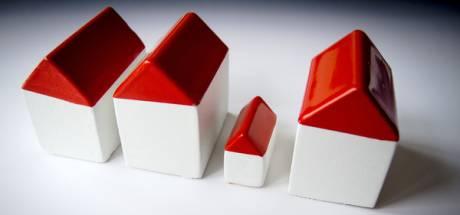 Huurders krijgen bezoek van woningcorporatie om te kijken of het wel goed gaat