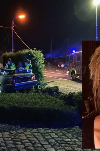 """Garagist crasht met cabrio tegen elektriciteitspaal na avondje uit, Paula (59) overleeft het niet: """"Ze was een crème van een vrouw die altijd luisterend oor bood"""""""