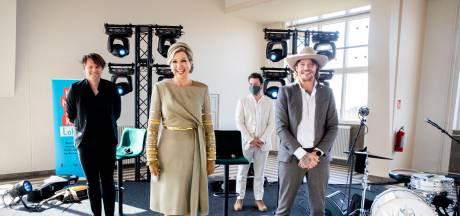 Ook pubers in Huis ten Bosch doen nog aan Moederdag, verklapt Máxima bij verjaardagscadeau