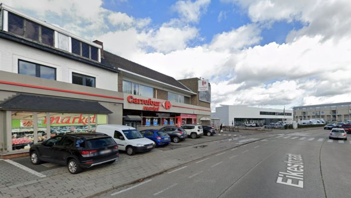 Supermarkt Carrefour in de Eikestraat in Mechelen.