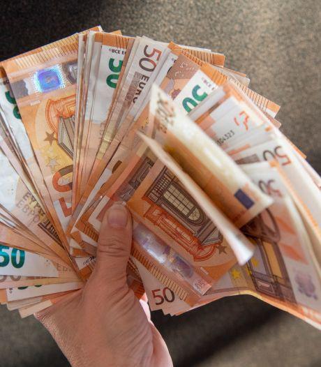 Eerlijke vinder brengt 1000 euro cash naar de politie: 'Een 10 voor eerlijkheid en een zuiver geweten'