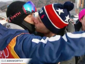 'Sterf aan aids', 'Kruip terug in de kast': YouTube moet zich excuseren bij atleet die vriend vol op de mond kuste tijdens Winterspelen