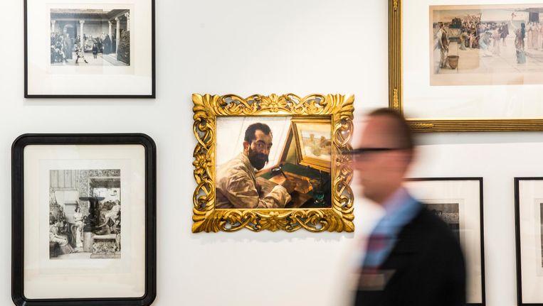 Een afbeelding van de etser Leopold Löwenstam op een schilderij van Lawrence Alma-Tadema in het Fries Museum Beeld anp