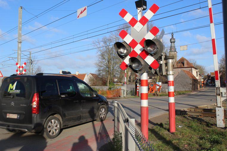De spoorwegovergang in Hansbekedorp is de allerlaatste op het traject Gent-Brugge