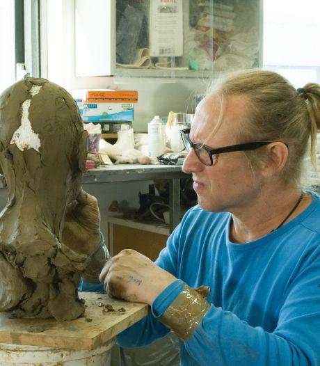 Deze kunstenaar geeft prehistorische Schokland-vrouw weer een gezicht: 'Ze zou niet opvallen op straat'