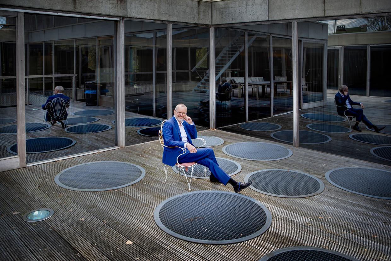 Geert-Jan Bogaerts, hoofd digitaal van de VPRO, is voorzitter van het initiatief PublicSpaces. 'Er kunnen goede redenen zijn om toch dat bepaalde pakket van Google of Microsoft te gebruiken. Maar dat zou je wel moeten uitleggen.' Beeld Pauline Niks