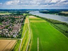 Wethouder in discussie met bevolking over zonnepark bij Heinenoord