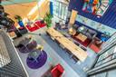 Centrum Hofdael heeft een nieuwe interieur. Allerlei Marktplaats spullen maken de foyer stukken gezelliger.