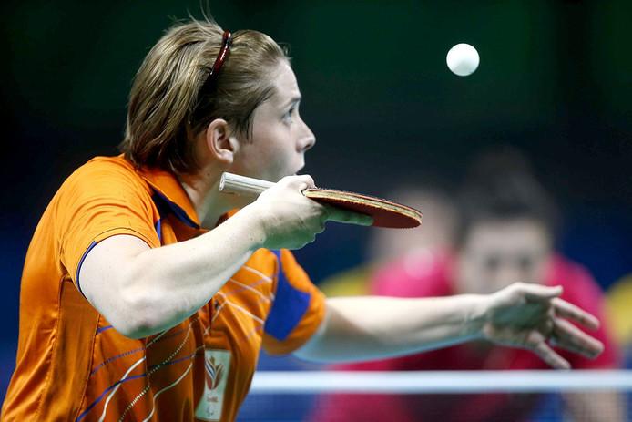 Kelly van Zon in de finale van tafeltennis tijdens de Paralympische Spelen. FOTO ANP HENK JAN DIJKS