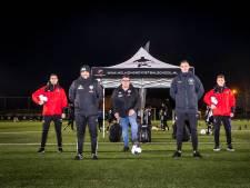 Talentenfabriek met vleugje Romario, Helmondse Voetbalschool bracht al 100 spelers naar profclubs: 'Kinderen niet pushen'