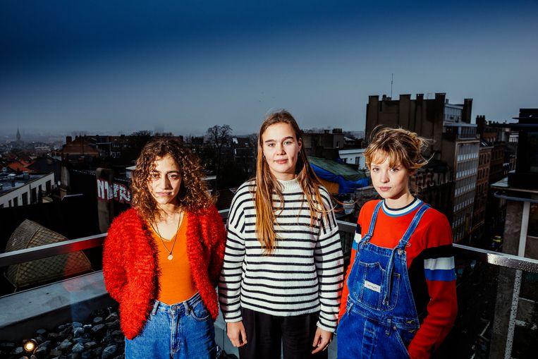Blu Samu (Salome Dos Santos), AliA (Alyah Riviere), Angele (Angèle Van Laeken), revelaties in de urbanpop: 'Brussel houdt het monopolie op do-whatever-the-fuck-you-want.' Beeld Stefaan Temmerman