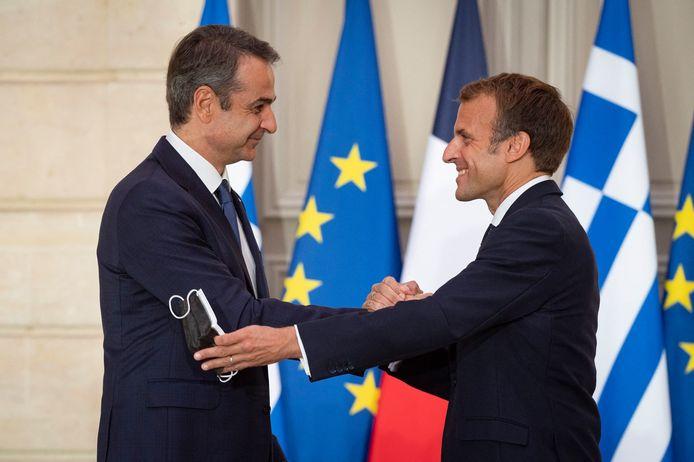 Kyriakos Mitsotakis, premier ministre grec et Emmanuel Macron, président de la République française lors d'une declaration conjointe pendant de la signature d'un partenariat strategique avec l'état grec au palais de l'Elysée à Paris le 28 septembre 2021.