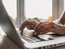Stad Antwerpen doneert 1000 laptops aan leerlingen en alleenstaanden