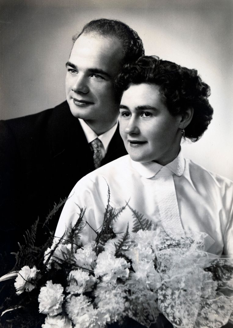 Trouwfoto van Pierre en Antonia, de ouders van Myriam. Beeld Tim Dirven